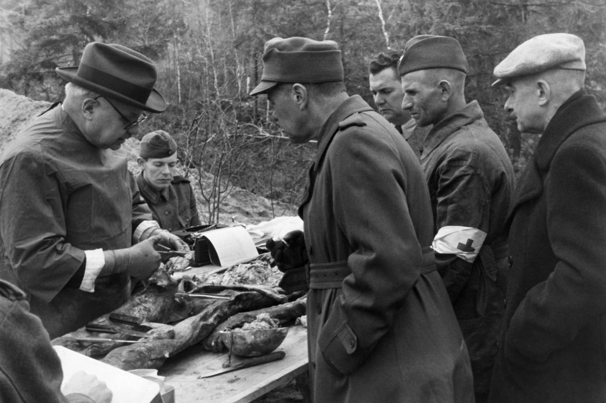 Exhumace pozůstatků z katyňského masakru