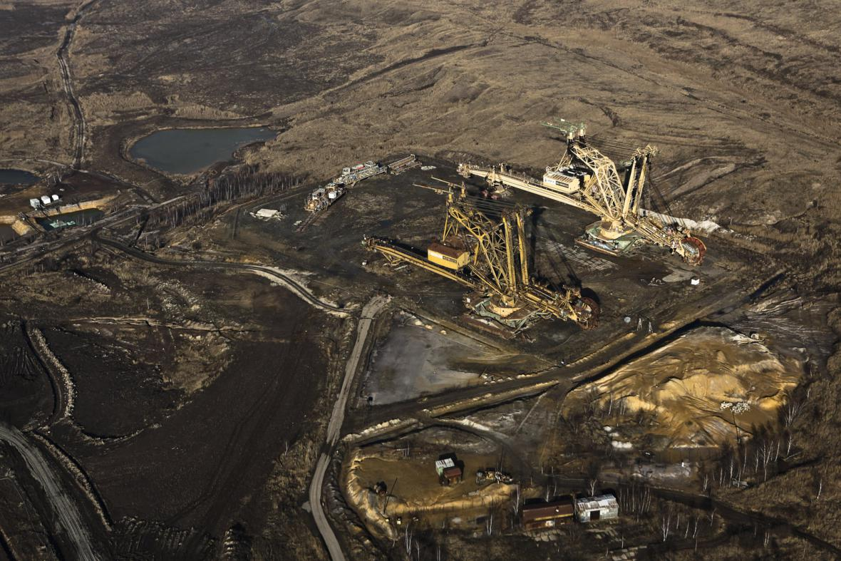 Krajina v severních Čechách po těžbě hnědého uhlí