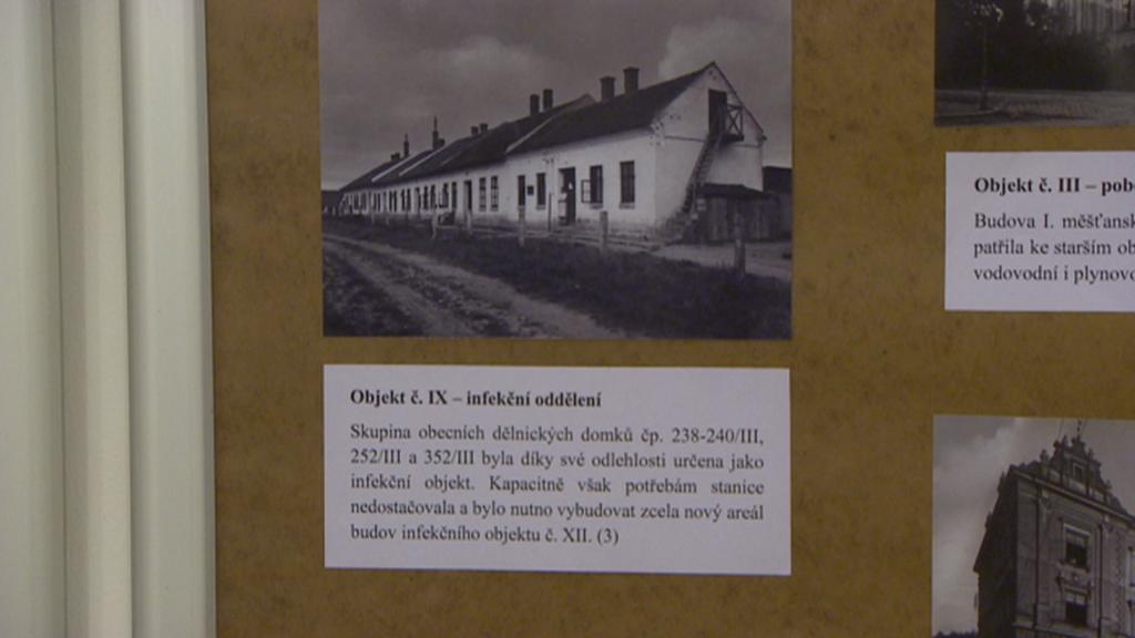 Jeden z domků infekčního oddělení na archivní fotografii