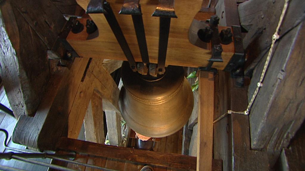 Uvnitř věže je i původní zvon Maria z roku 1518