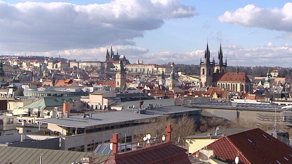 Pohled z Jindřišské věže směrem k Pražskému hradu