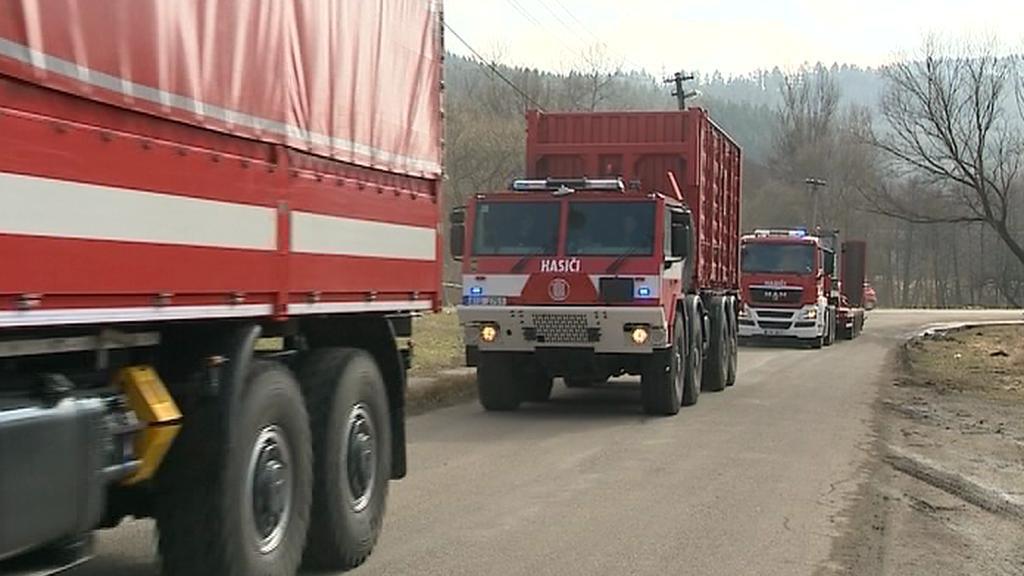 Hasičské vozy poslouží k převozu munice