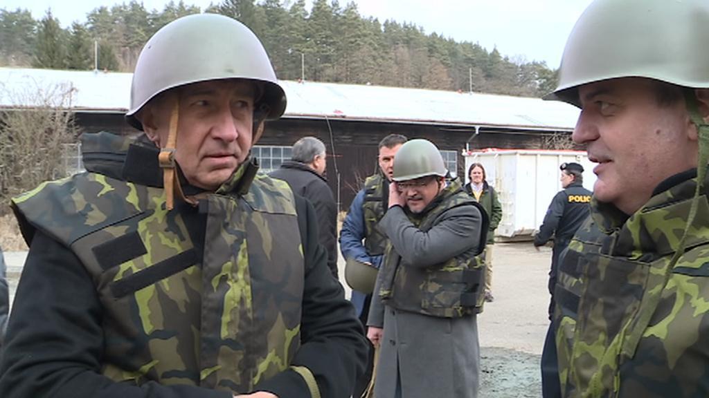 Andrej Babiš (vlevo) ve Vrběticích