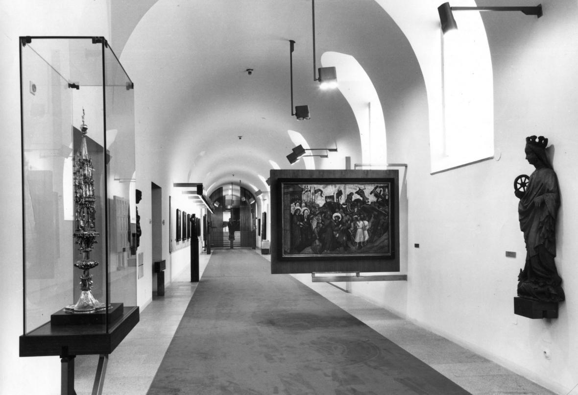 Přízemní chodba Obrazárny Pražského hradu