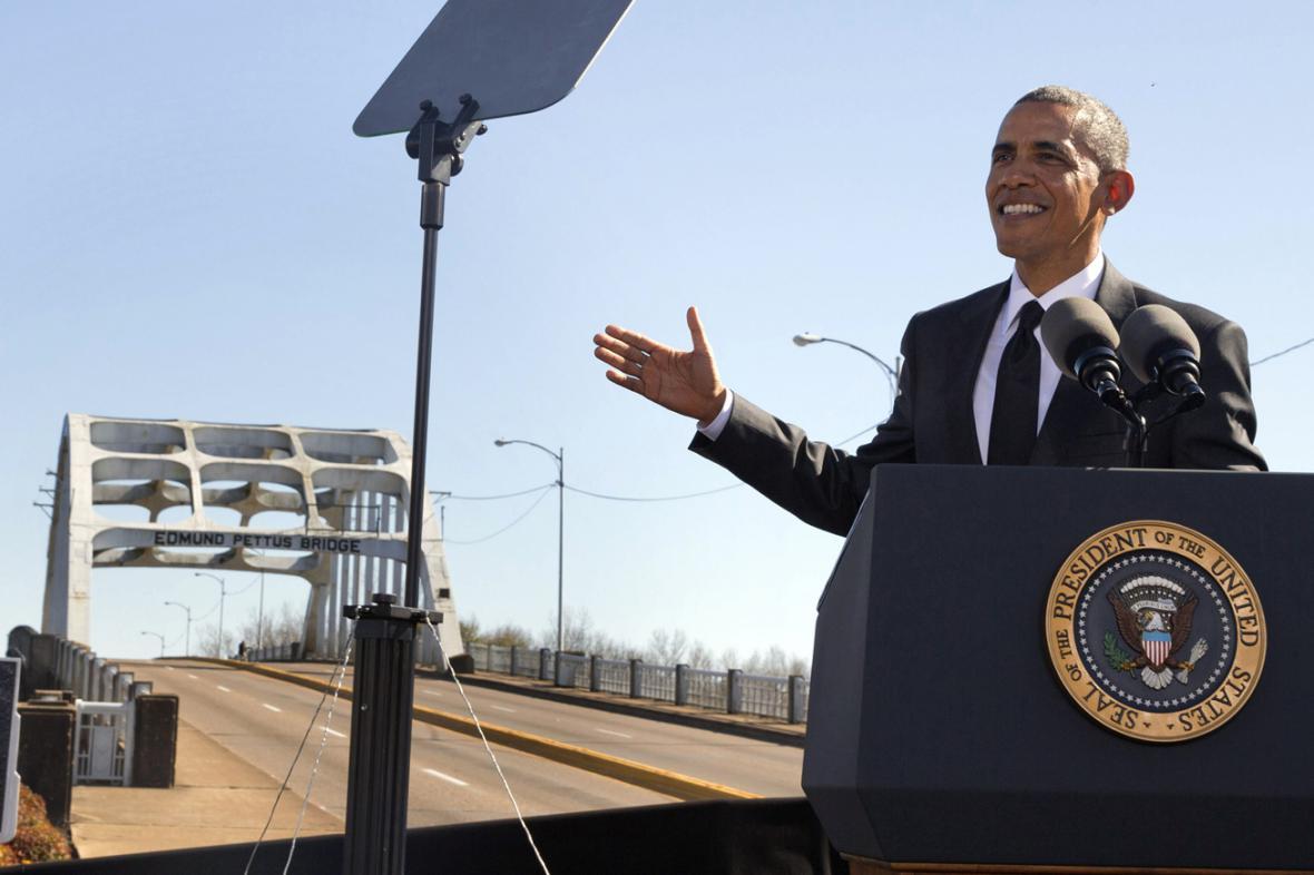 Barack Obama při projevu v Selmě