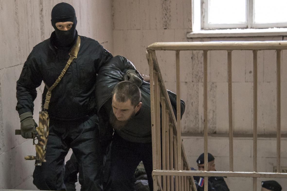 Jeden z mužů zadržených v souvislosti s vraždou Borise Němcova