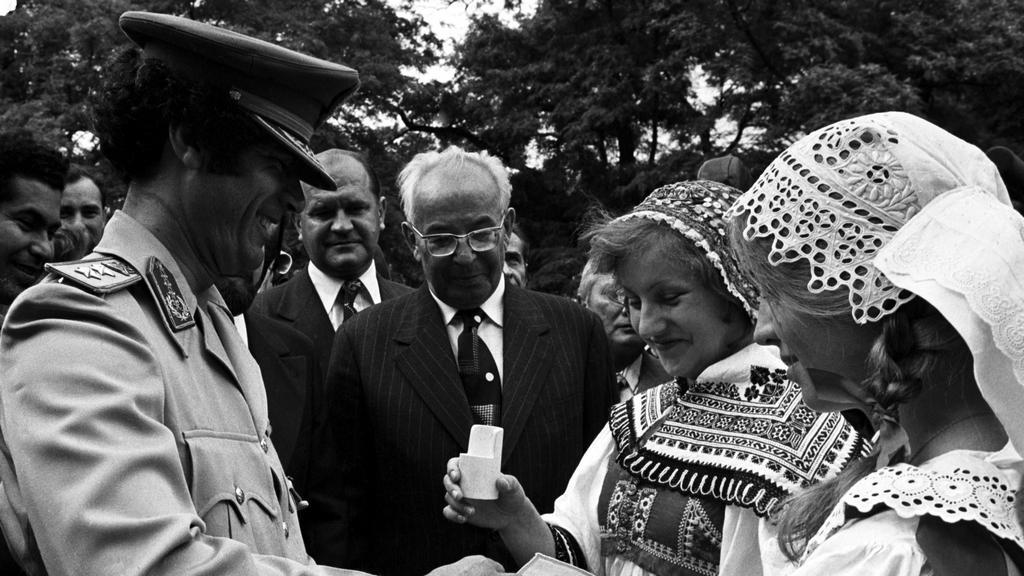 Libyjský vůdce Kaddáfí na návštěvě Československa v roce 1978