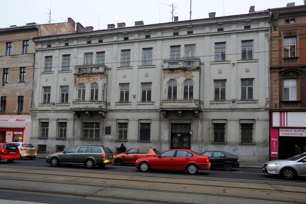 Dům s Loosovými interiéry - Klatovská 19
