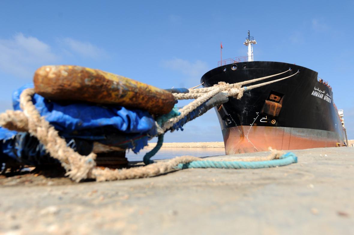 Ropný tanker v libyjském Benghází