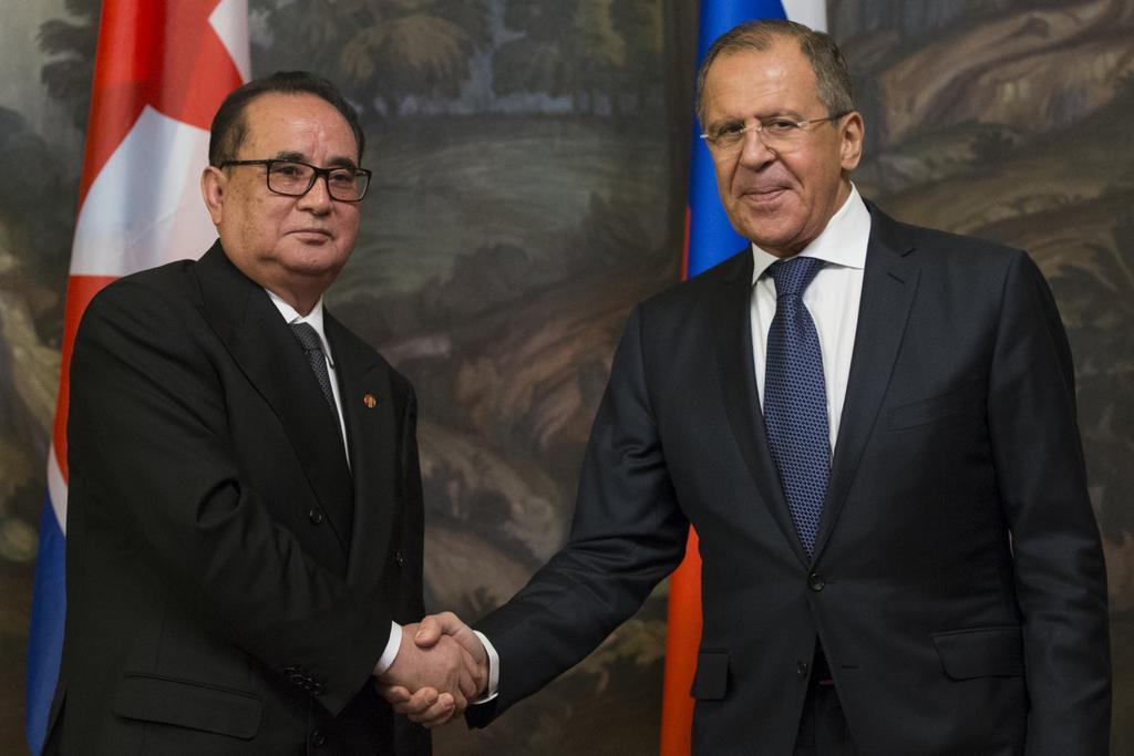 Lídři diplomacie Ruska a KLDR (říjen 2014)