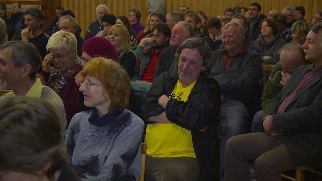 Účastníci debaty v Brzkově