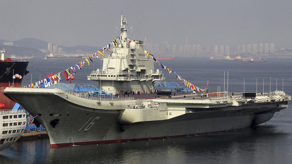 Čína buduje novou letadlovou loď po vzoru Liao-ning