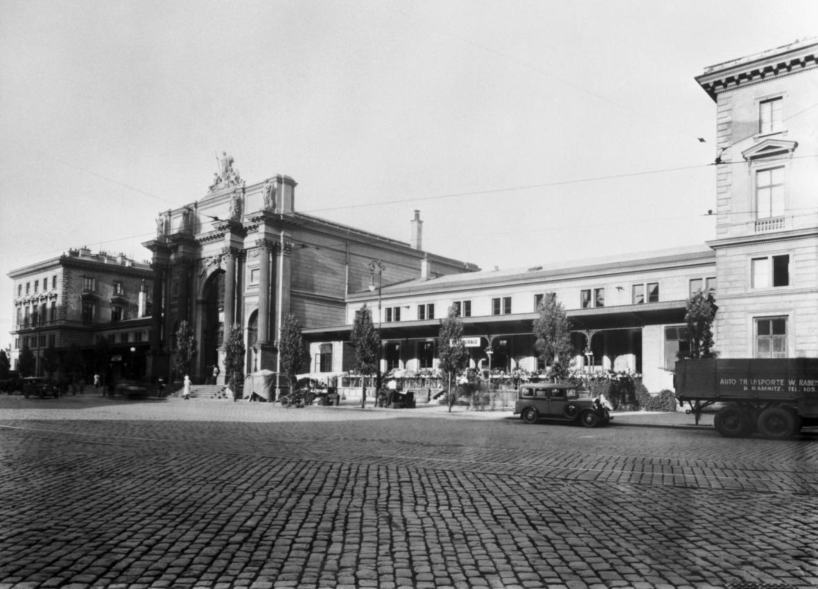 Denisovo nádraží před přejmenováním na Těšnov (1932)