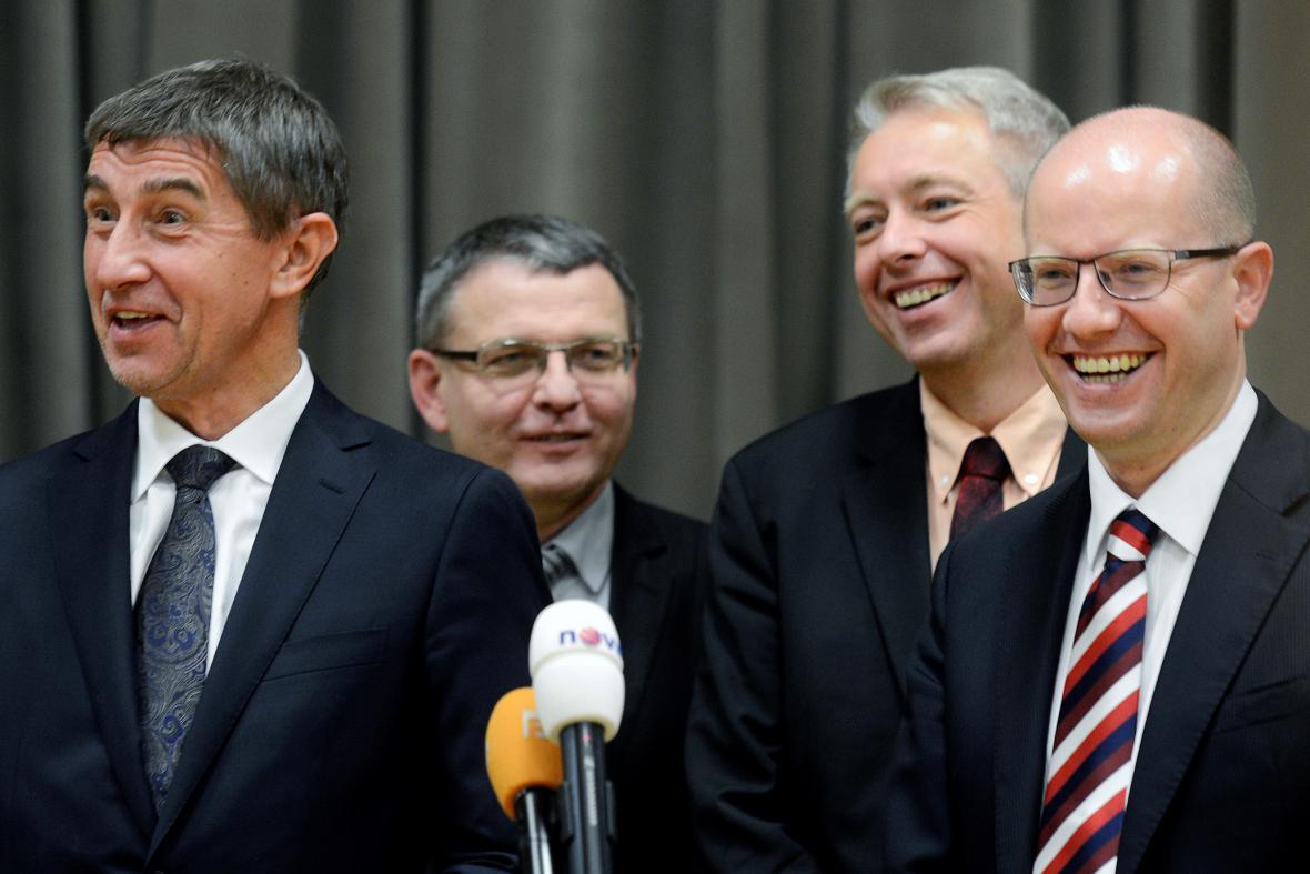 Zprava Bohuslav Sobotka, Milan Chovanec, Lubomír Zaorálek a Andrej Babiš