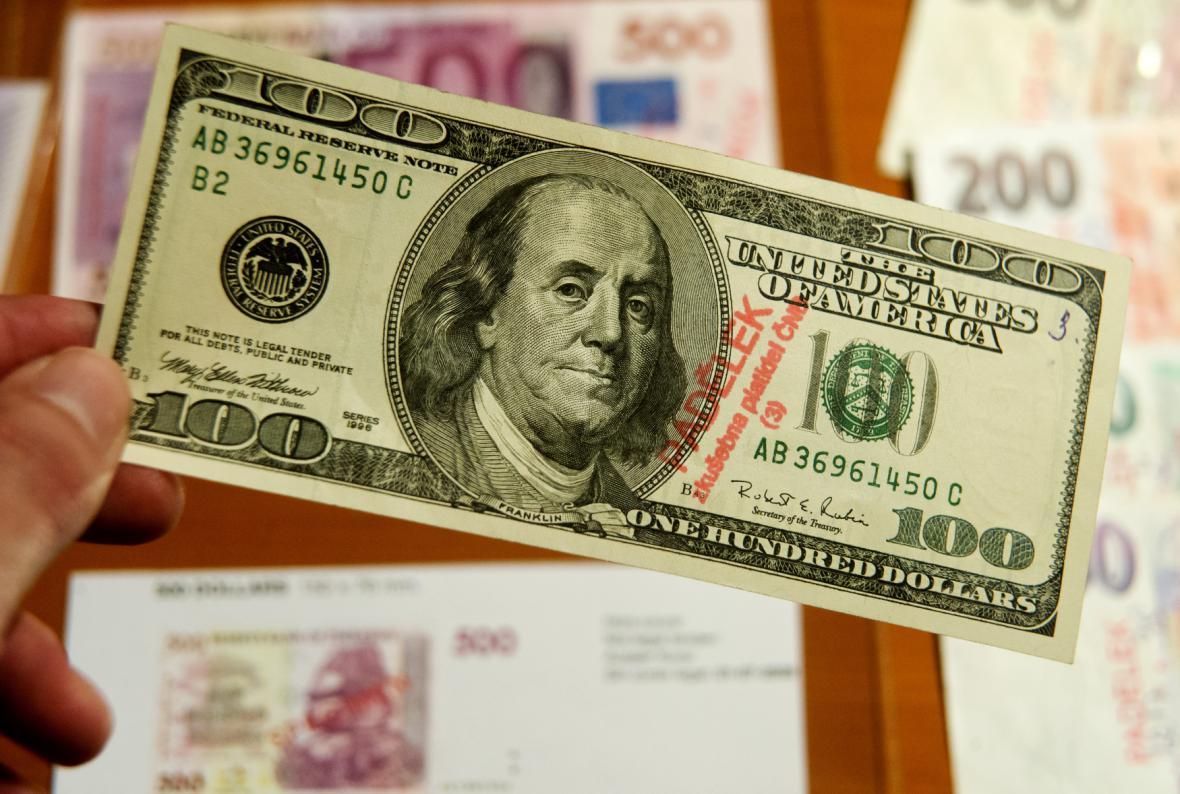 Padělaný dolar