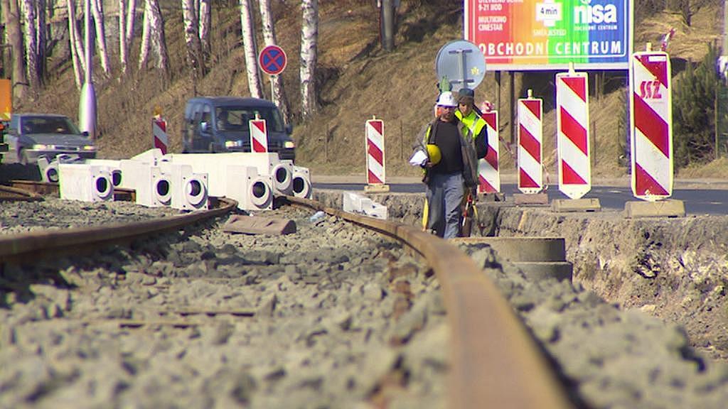 Práce na tramvajové trati mezi Libercem a Jabloncem