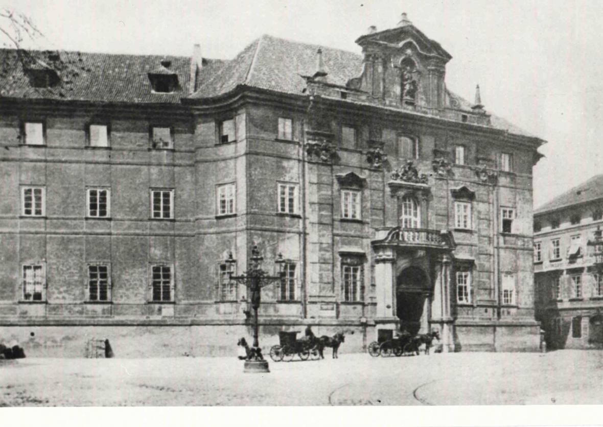 Klementinum na historické fotografii