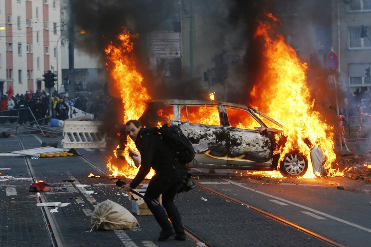 Nepokoje ve Frankfurtu