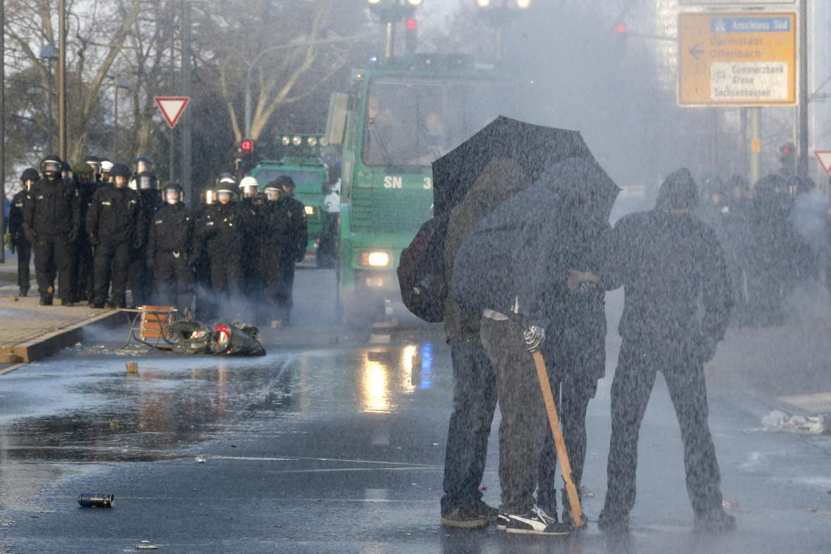 Demonstrace ve Frankfurtu