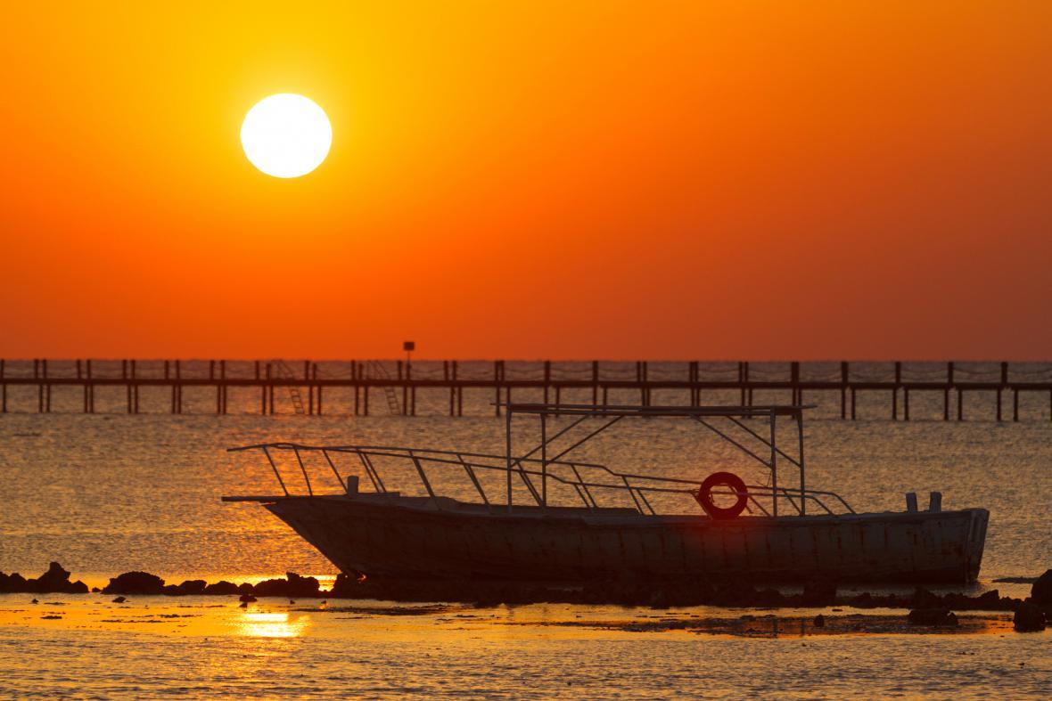 Egypt: Východ slunce nad Hurghadou