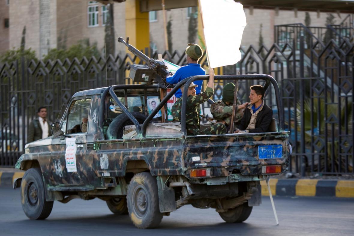 Hútíové − páteř šíitského povstaleckého tažení − a stoupenci bývalého prezidenta Sáliha