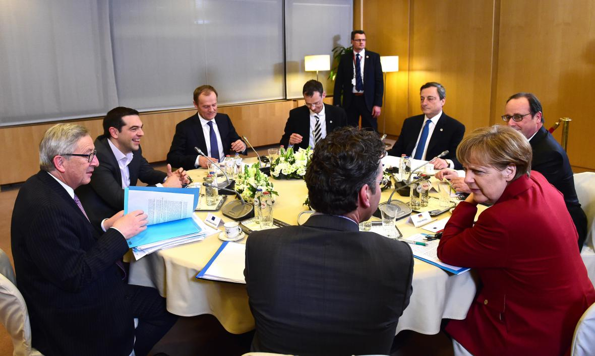 Noční schůzka zástupců EU a Řecka