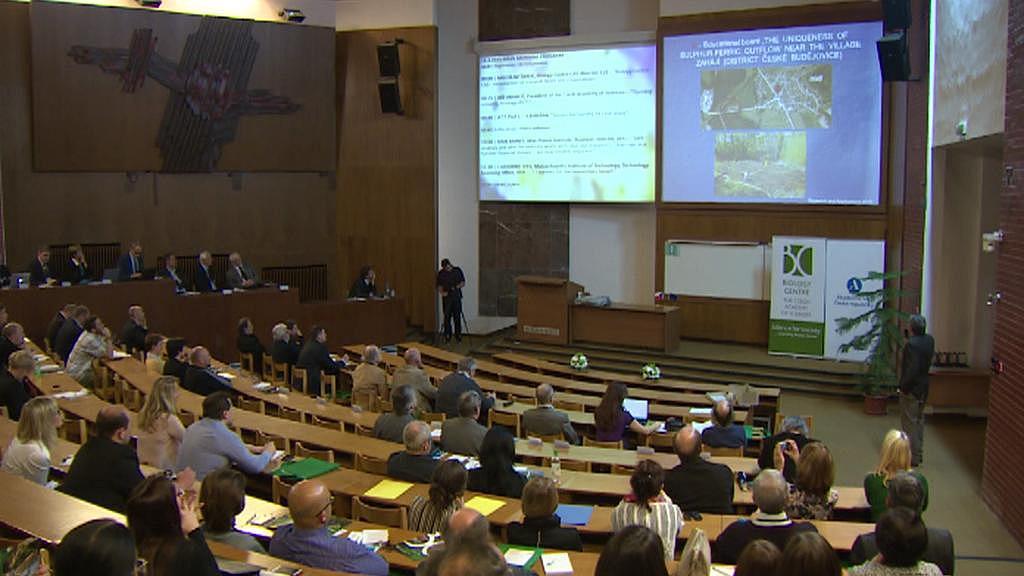 Konference o propojení vědy s praxí v Českých Budějovicích
