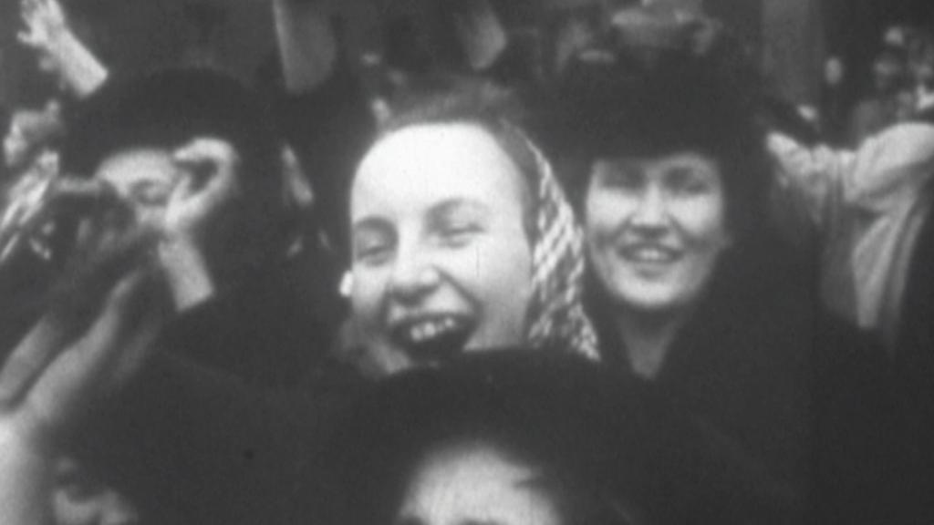 Lidé během osvobozování vítali vojáky