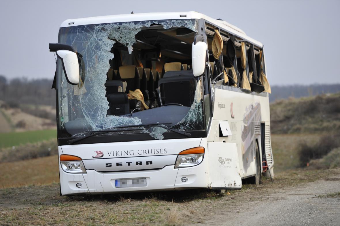 Nehoda českého autobusu u rakouského Mistelbachu