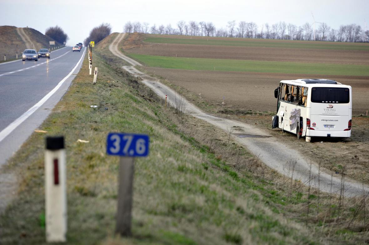 Nehoda českého autobusu u dolnorakouského Mistelbachu