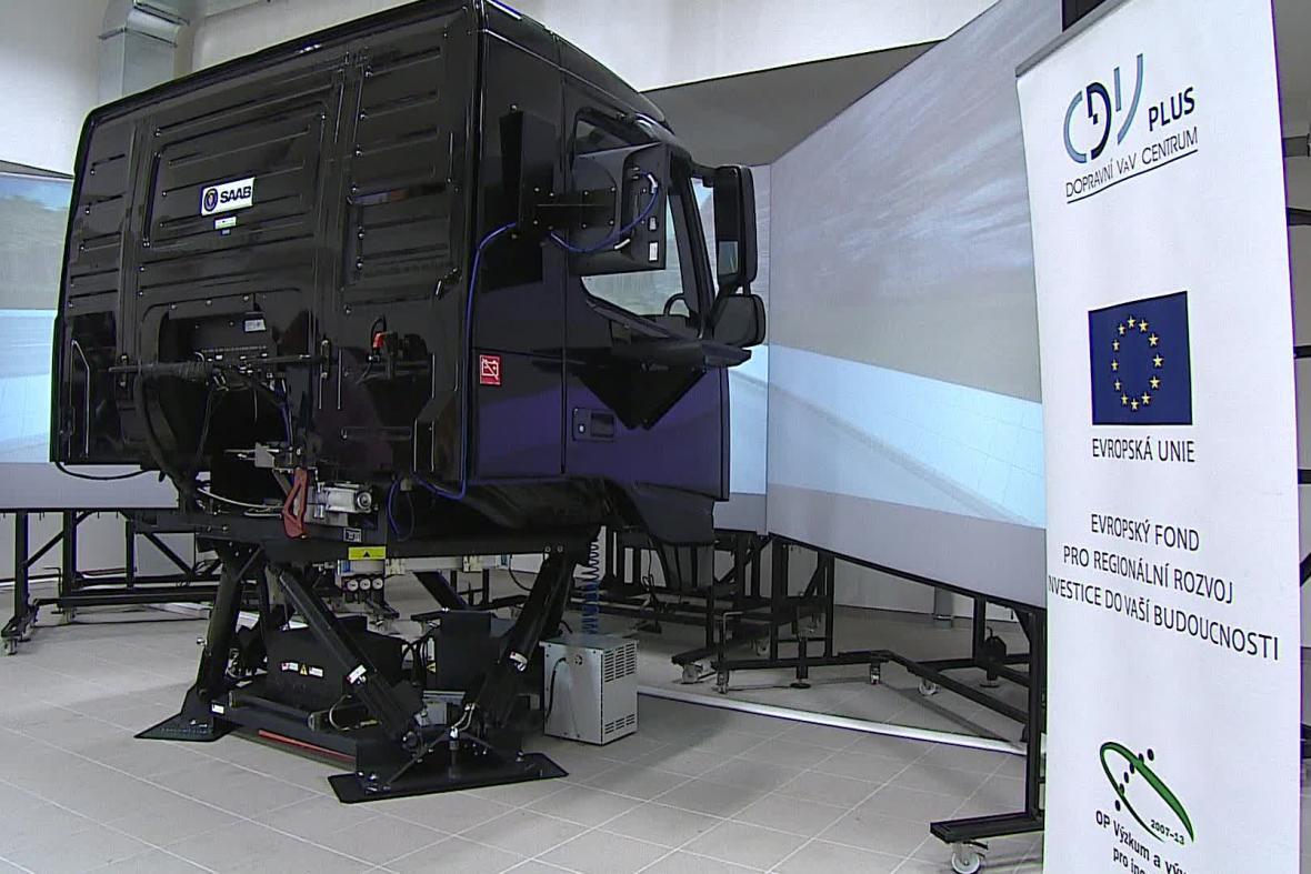 Simulátor pro řidiče kamionů a autobusů