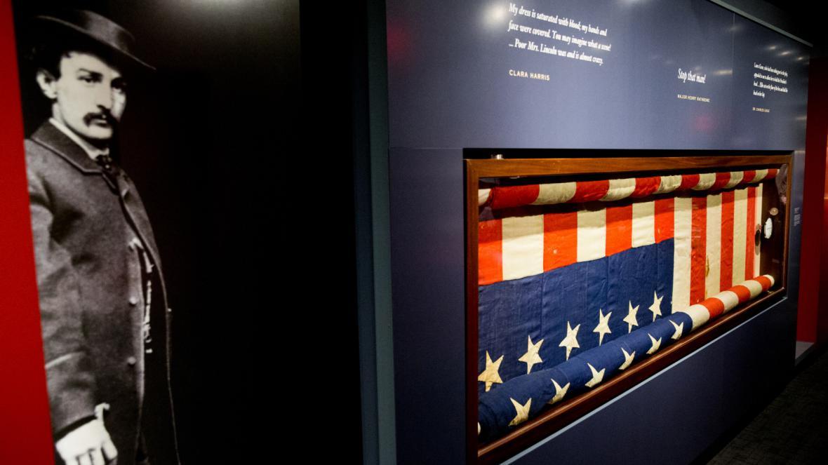 Vlajka, na které je Lincolnova krev