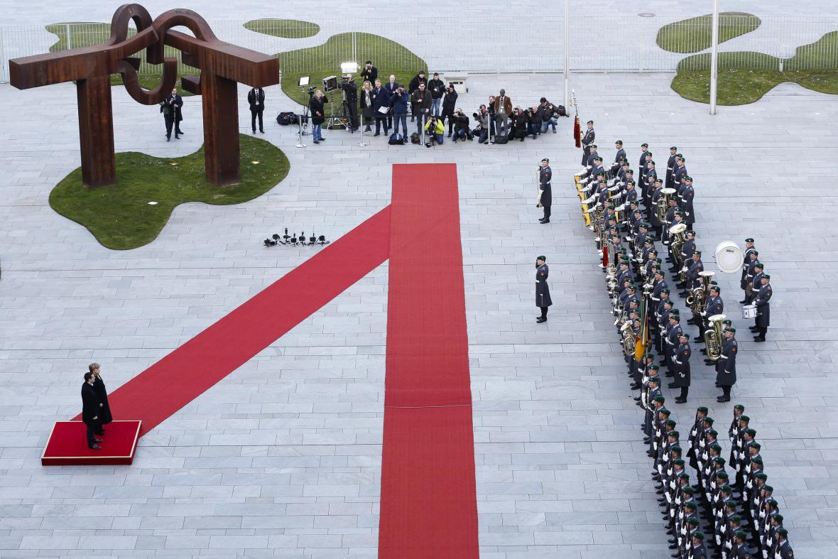 Tsipras a Merkelová: vítání v Berlíně