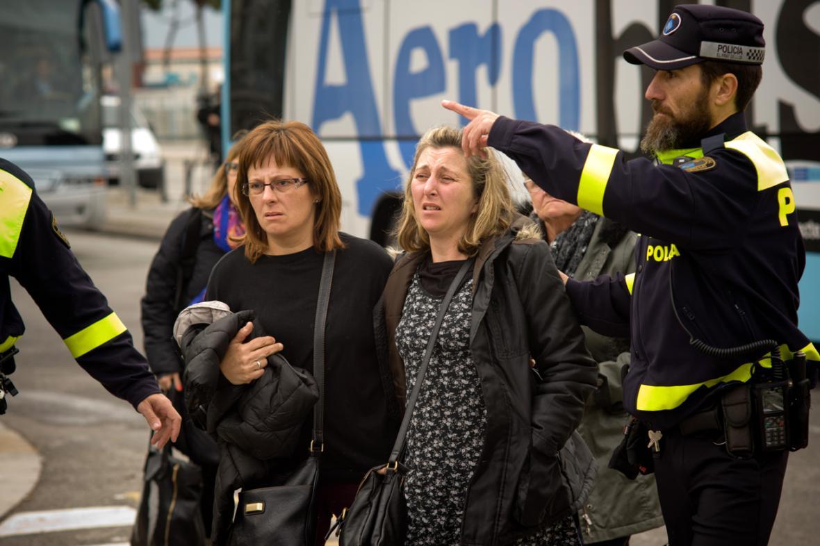 Příbuzní cestujících letu 4U 9525 na letišti v Barceloně