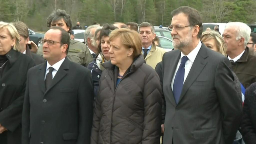 Merkelová, Hollande a Rajoy u místa havárie airbusu