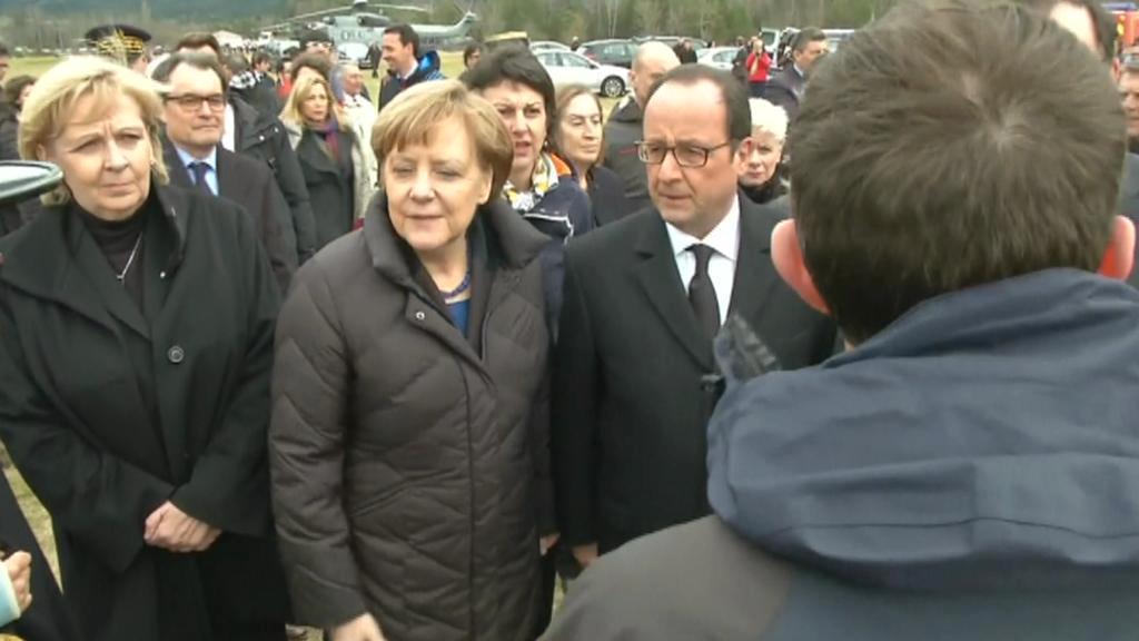 Merkelová a Hollande na místě nehody německého airbusu