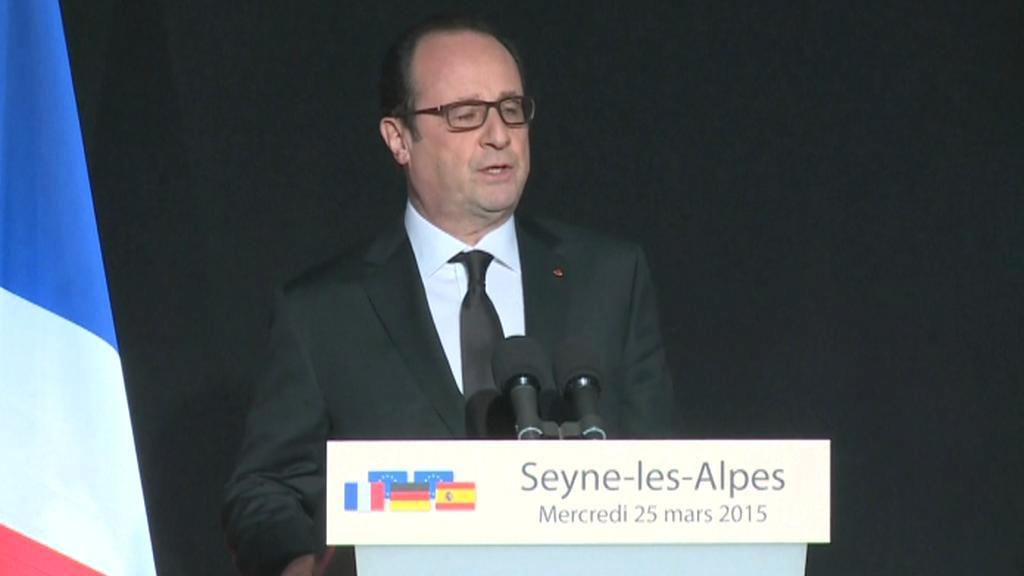 Hollande ujistil, že okolnosti katastrofy budou vyšetřeny