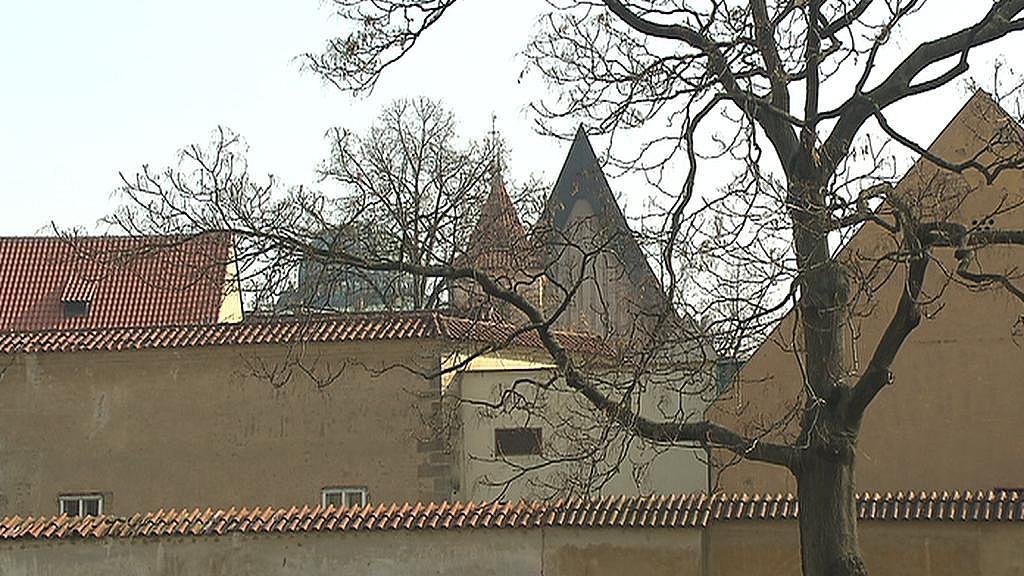 Pohled na Anežský klášter z místa současného parkoviště
