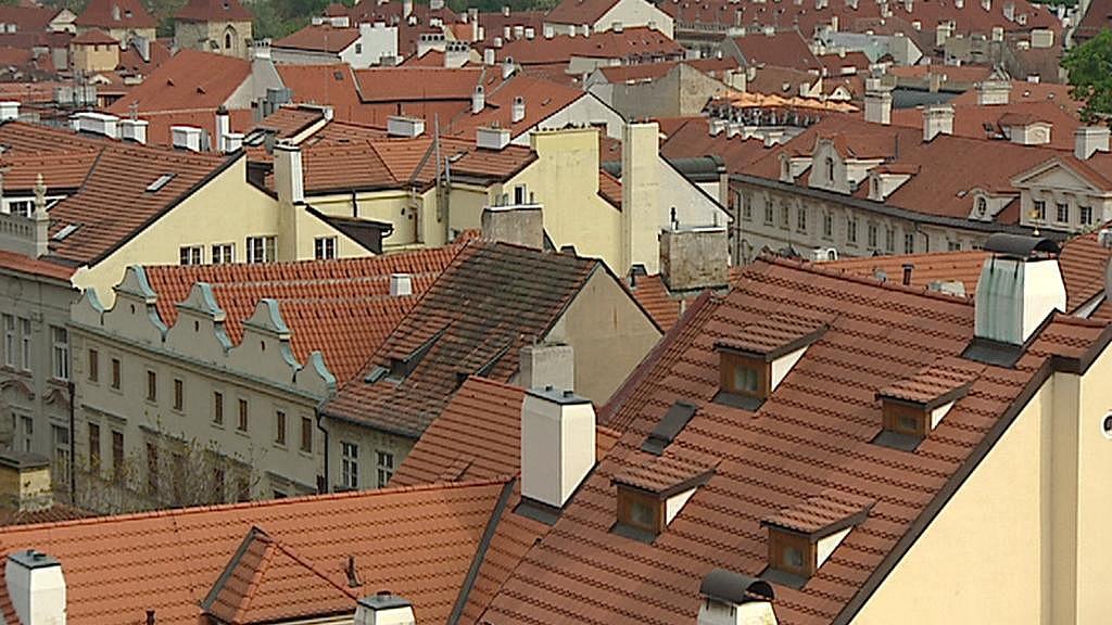 Pohled na střechy v oblasti Anežského kláštera