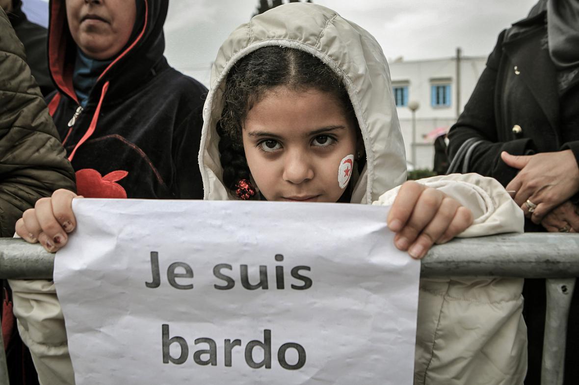 Tunisané v úterý demonstrovali před muzeem Bárdá