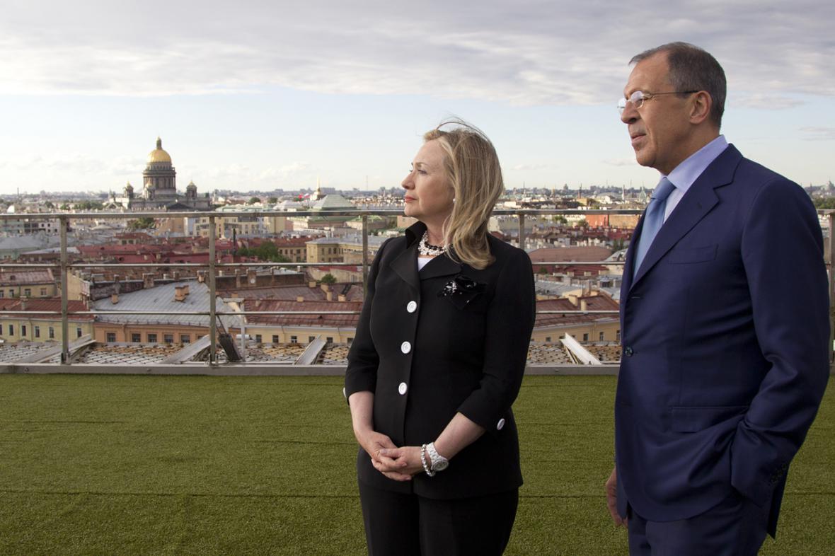 Hillary Clintonová a Sergej Lavrov v Petrohradě