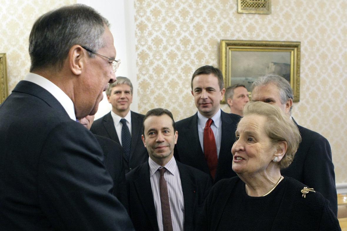 Sergej Lavrov a Madeleine Albrightová