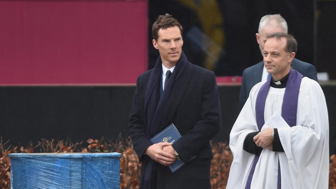 Benedict Cumberbatch na pohřbu Richarda lll.