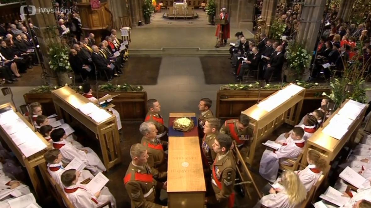 Pohřeb Richarda lll. v katedrále v Leicesteru
