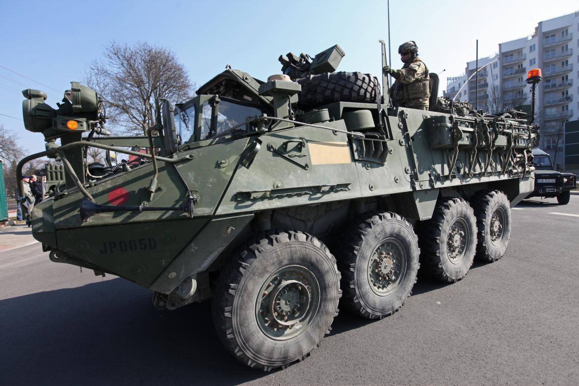 Americký konvoj vítali v polském Bělostoku