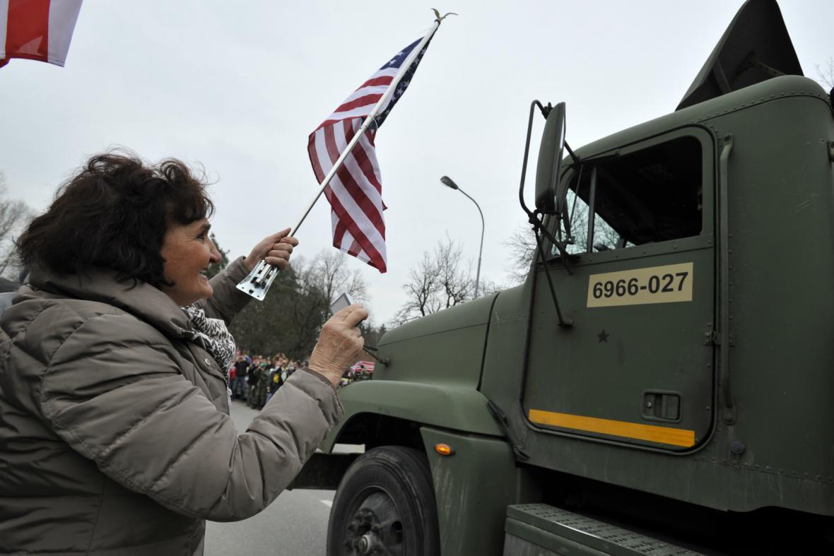 Příjezd amerického konvoje do Vyškova