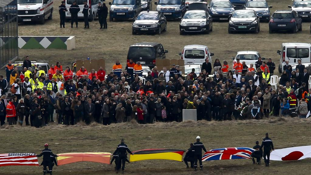 Příbuzní obětí se sešli ve městě Le Vernet