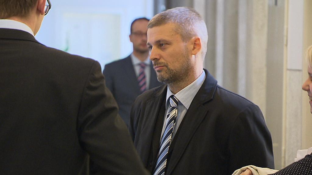 Roman Pekárek dnes dostal na jednání soudu z vězení vycházku