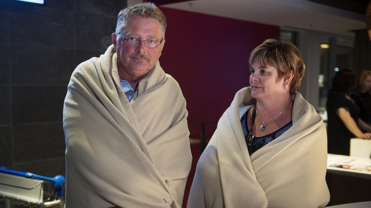 Cestující Randy Hall a Lianne Clark