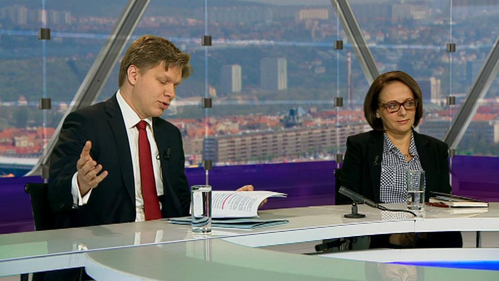 Tomáš Hudeček a Adriana Krnáčová v OVM